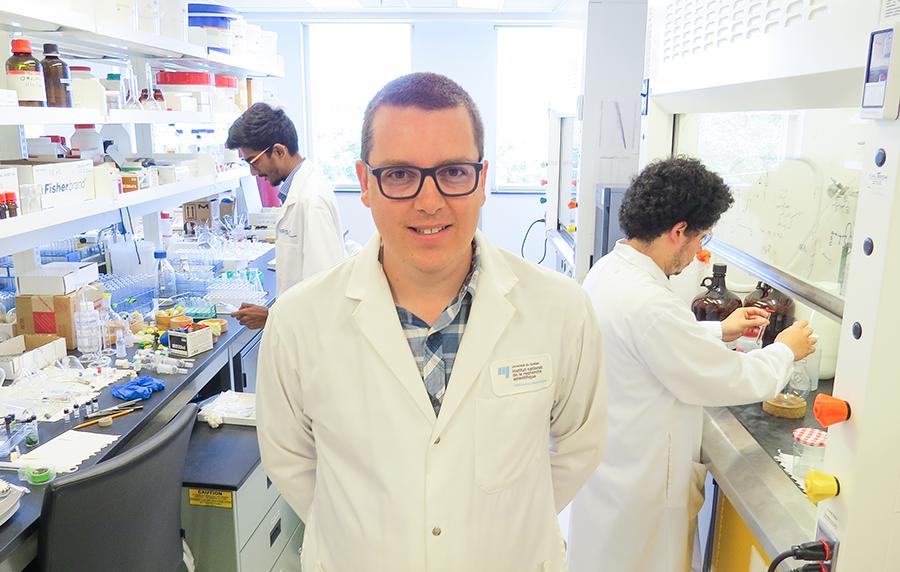 Charles Gauthier professeur chercheur en chimie des carbohydrates et produits naturels à l'Institut national de la recherche scientifique (INRS)