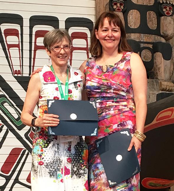Mme Josée Charest, directrice du Service à la recherche et à la valorisation de l'INRS, et Mme Sarah Lampson, directrice exécutive de l'ACAAR