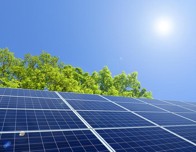 Convertir l'énergie solaire plus efficacement avec un nouveau matériau composite