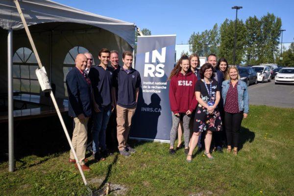 Des élèves du secondaire explorent les laboratoires de pointe de l'INRS