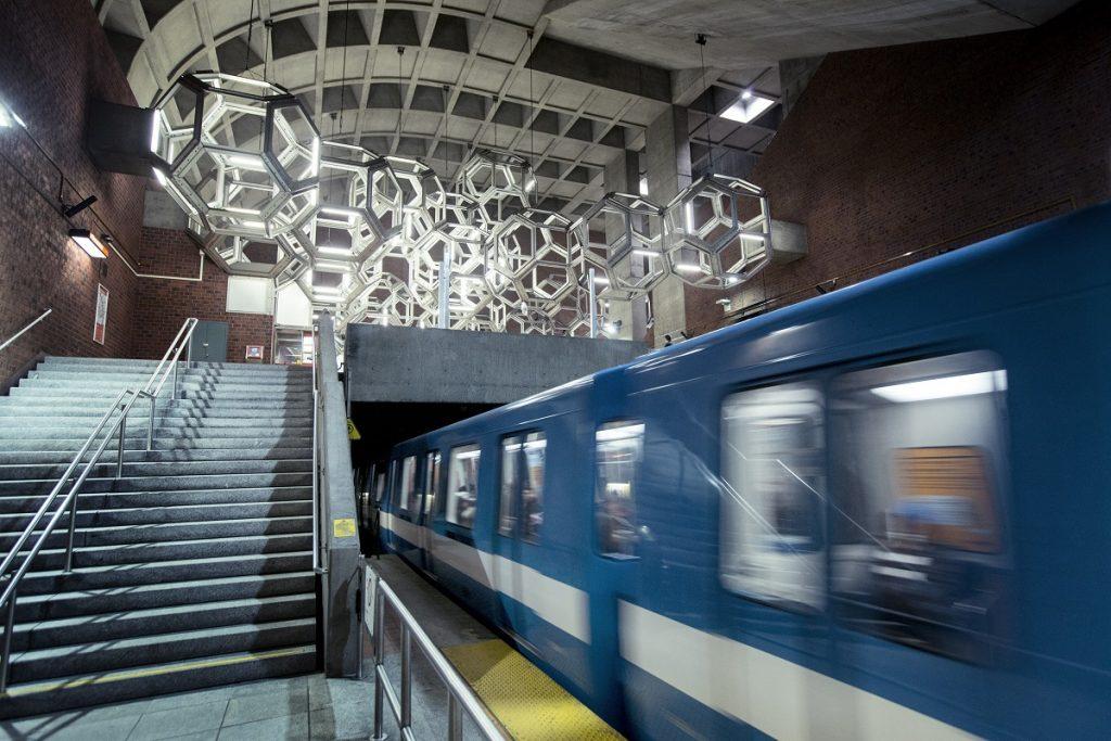 Wagon du métro de Montréal