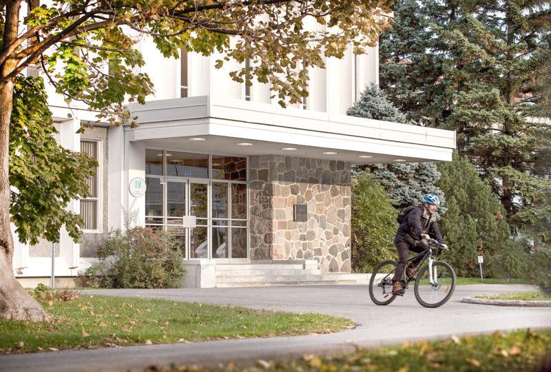 Centre Armand-Frappier Santé Biotechnologie à Laval