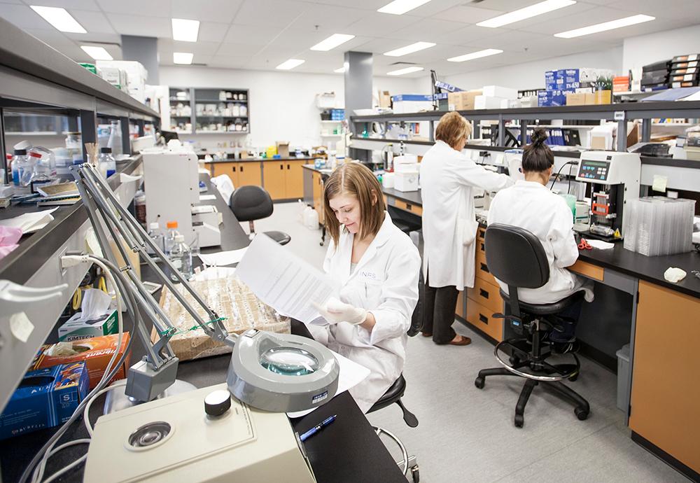 Laboratoire de recherche en santé et biotechnologieà l'INR