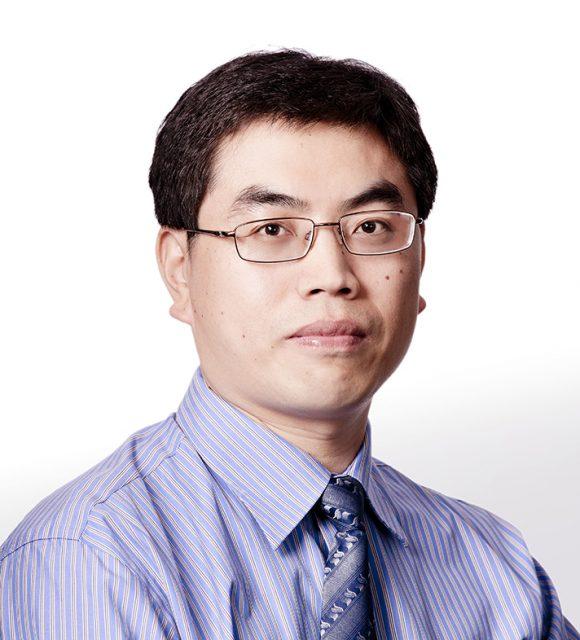 Shuhui Sun, professeur en Nanomatériaux (énergie, environnement) à l'Institut national de la recherche scientifique
