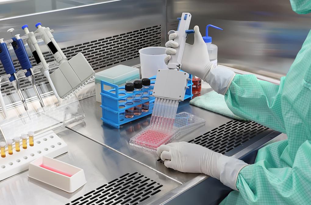 Traitements combinés contre le virus SRAS-Cov-2