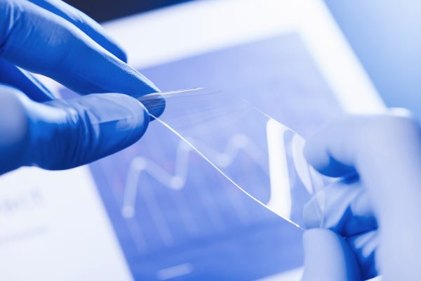 Des nanofils d'argent et d'or ouvrent la voie à de meilleurs dispositifs électrochromiques