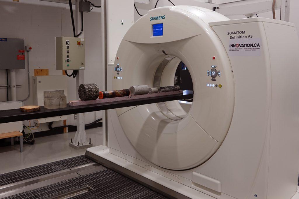Un CT Scan utilisé en médecine.