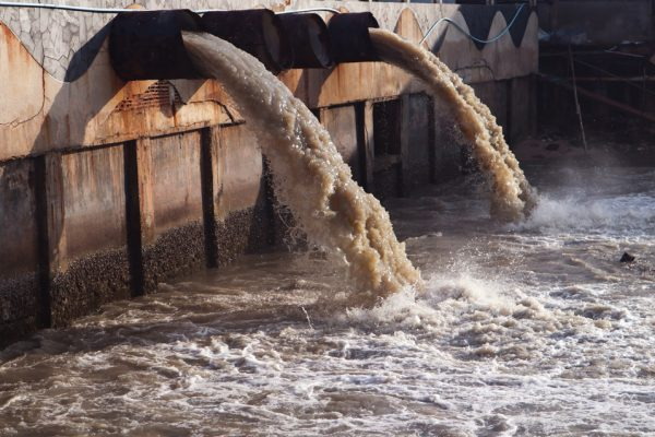 Nanomaterials to decontaminate water