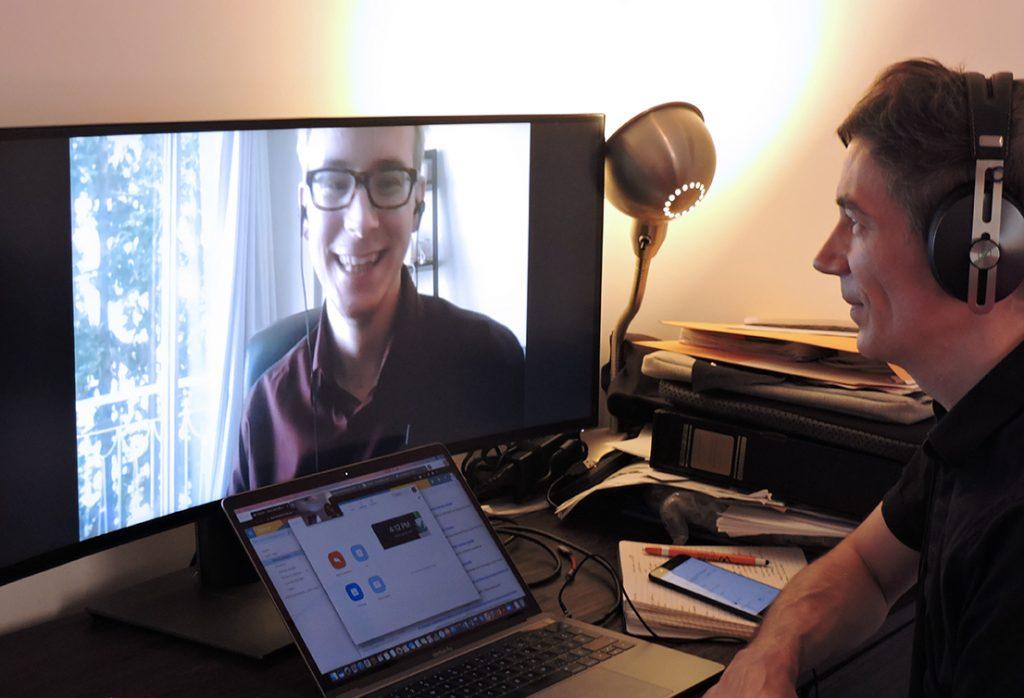 Yoann Jestin lors d'une rencontre Zoom avec Piotr Roztocki.