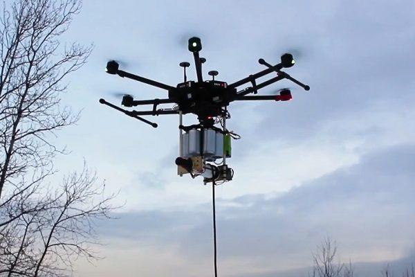 Un drone sur le terrain